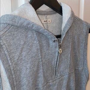 TNA (Aritzia) | Pullover sleeveless hoodie